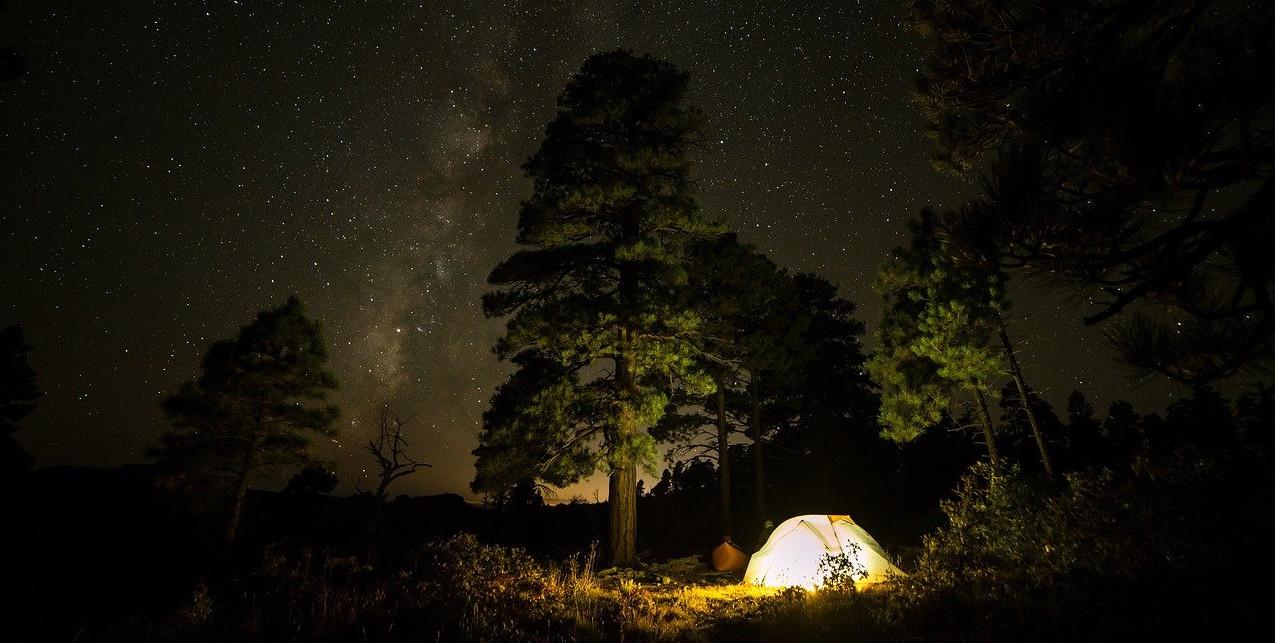 Im Zelt übernachten