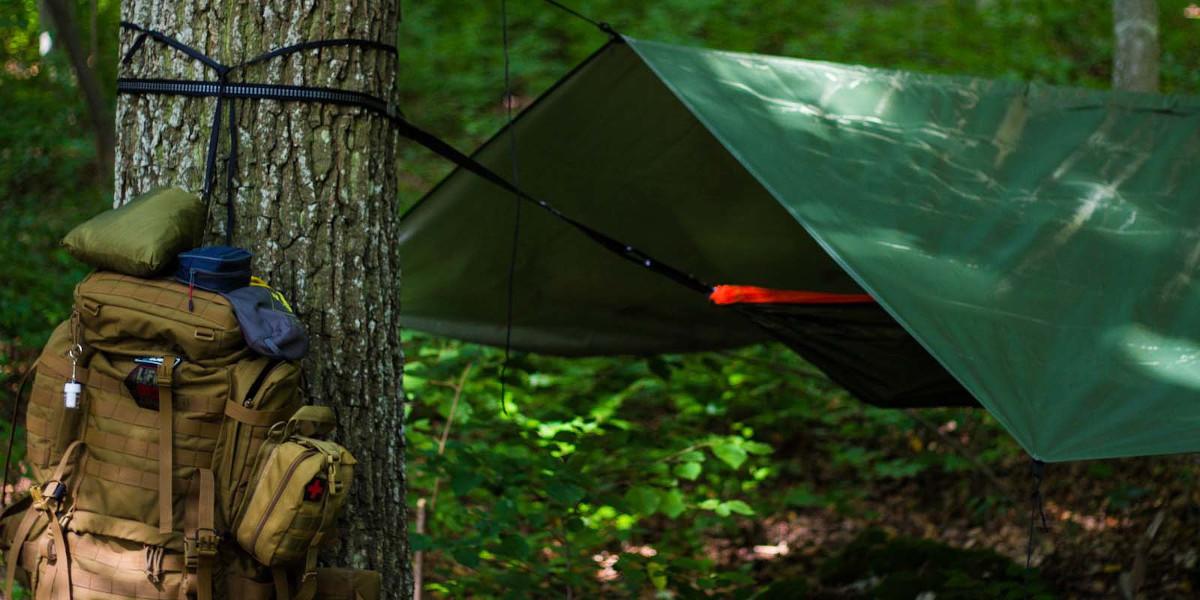 Regenschutz beim Campen mit Hängematte